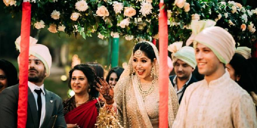 A Beautiful Bride Arrives for her Wedding with a Gorgeous Excitement on her face